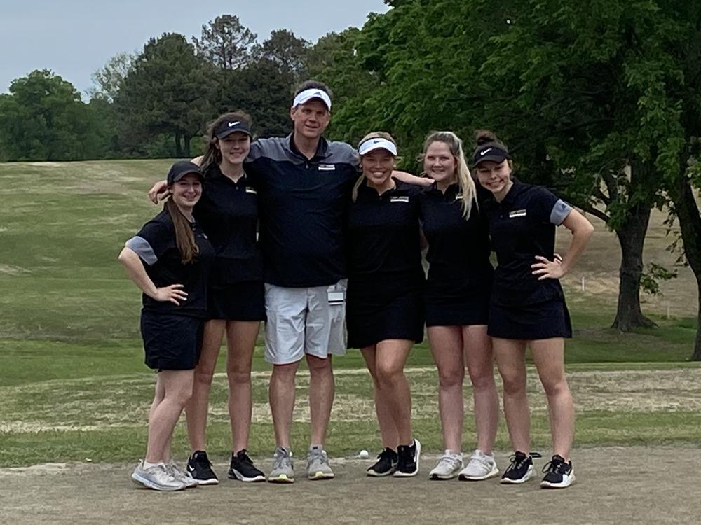 HS Girls Golf at Regionals